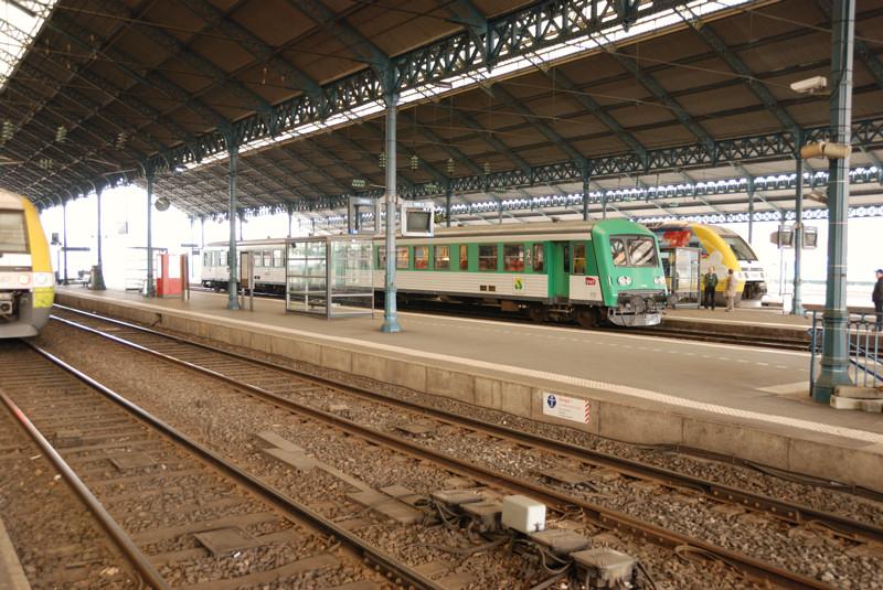 https://www.jmbenoit.fr/galleries/Reportages/2011-1-Train/38-Gare-Charleville-Mezieres.jpg